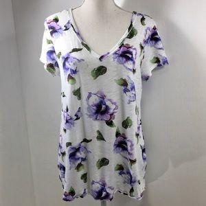 T. La Lavender Floral Short Sleeve Tee. M
